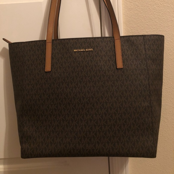 2d5bde02be6290 Michael Kors Bags | Original And Brand New With Tag | Poshmark